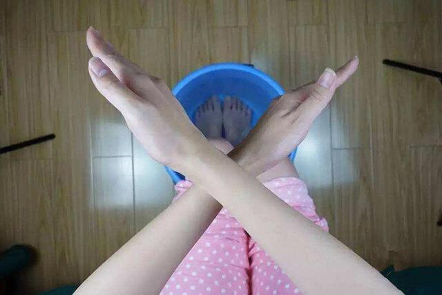 哪些人不适合用热水泡脚