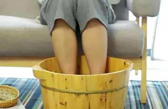 苏打粉泡脚能治痛风吗