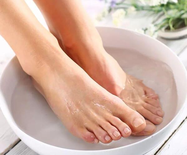 白矾泡脚的功效和作用