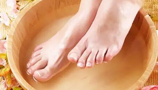 白醋泡脚比例多少合适