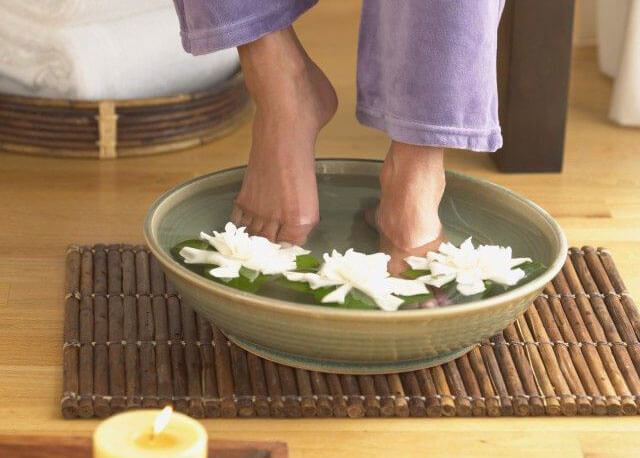 茶叶水泡脚有什么好处和坏处