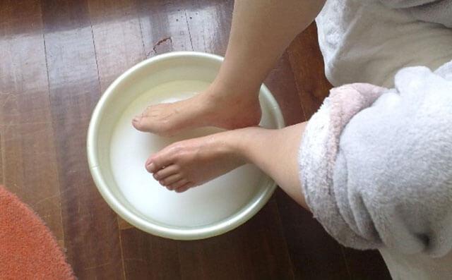 女人来例假可以泡脚吗