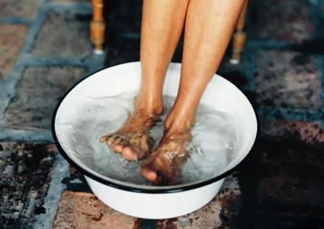 热水泡脚能减肥吗