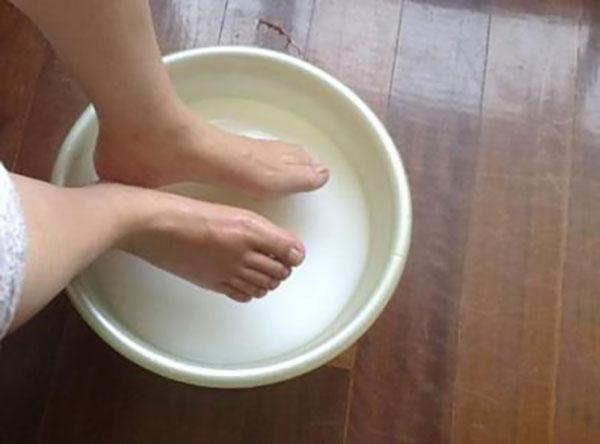 脚酸臭用什么泡脚效果好