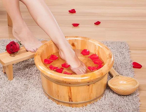 藏红花泡脚的功效与作用